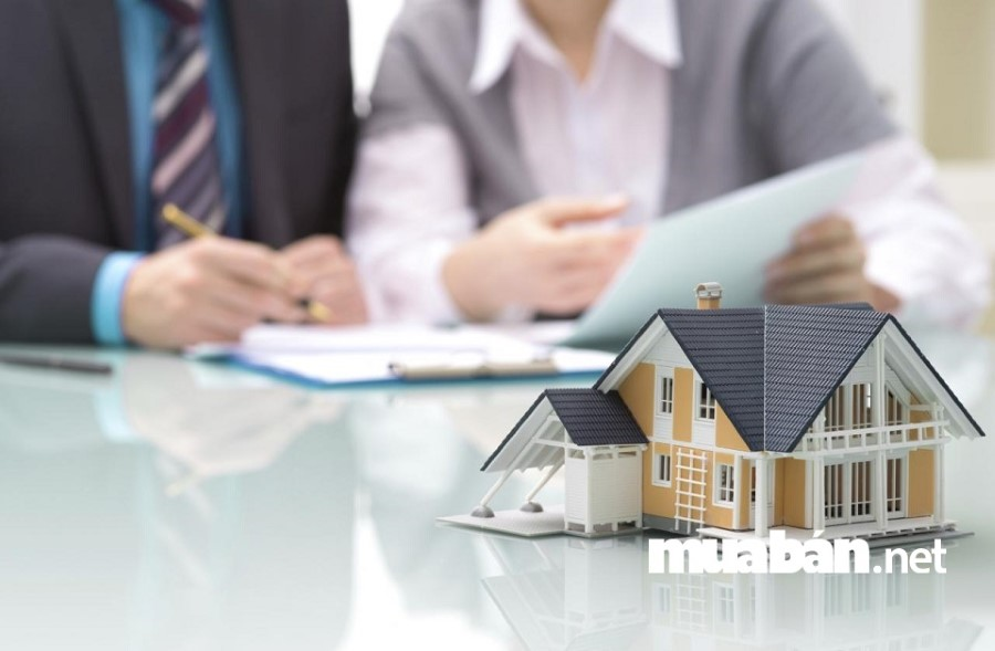 Mua nhà trả góp bạn sẽ phải trả nợ ngân hàng bao gồm gốc và lãi.