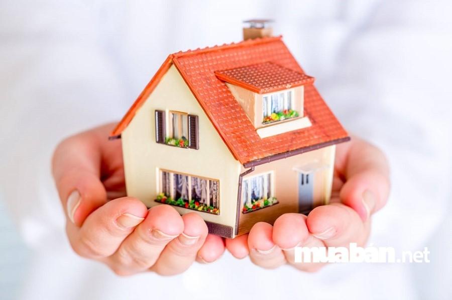 Nếu tài chính chưa sẵn sàng, đừng quá lạm dụng việc vay mua nhà trả góp vì lãi suất thả nổi có thể gây bất ổn cho cuộc sống.