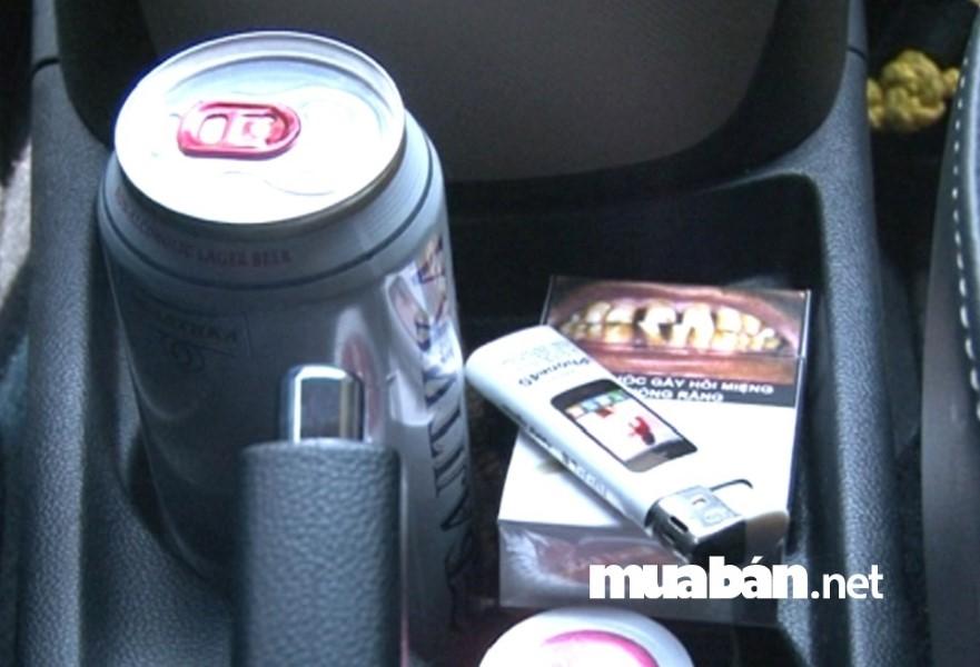 Tốt nhất ngày hè nắng nóng bạn đừng để bật lửa trong xe ô tô.