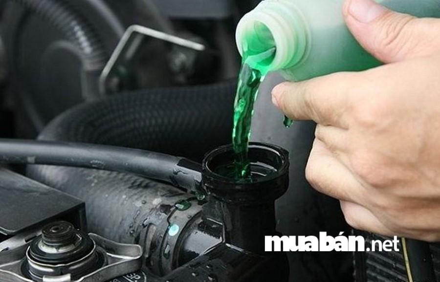 Một chiếc xe ô tô không thể hoạt động ổn định và bền bỉ nếu thiếu nước làm mát.