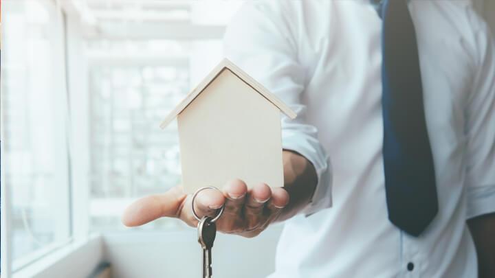 Đảm bảo hình ảnh căn nhà của bạn thật tươm tất, sáng sủa sẽ thu hút được nhiều khách hàng hơn.