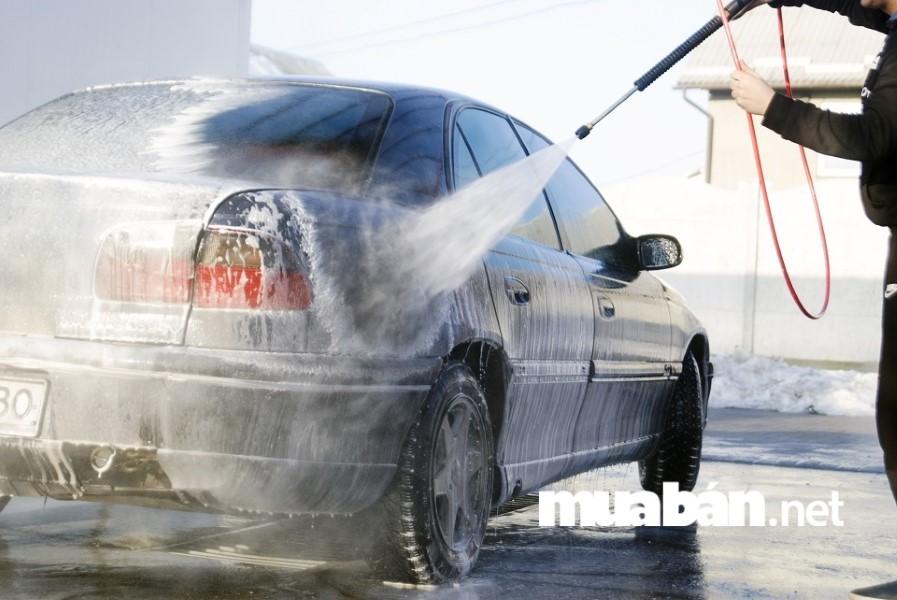 Detailing Vietnam cung cấp dịch vụ chăm sóc, bảo dưỡng xe ô tô, vệ sinh, sơn, rửa xe chu đáo nhất khu vực.