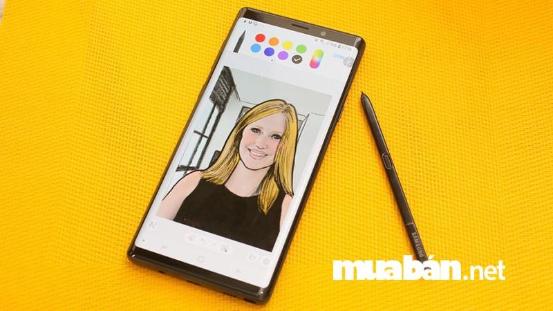 Một trong những điểm nâng cấp đáng chú ý nhất ở Samsung Galaxy Note 9 đó chính là bút S-Pen.