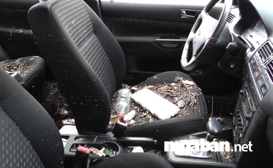 """Nếu xe ô tô của bạn đã cũ, lại ngập nước lâu khiến nhiều chi tiết bị hư hại thì hãy """"đại tu"""" chiếc xe của mình."""