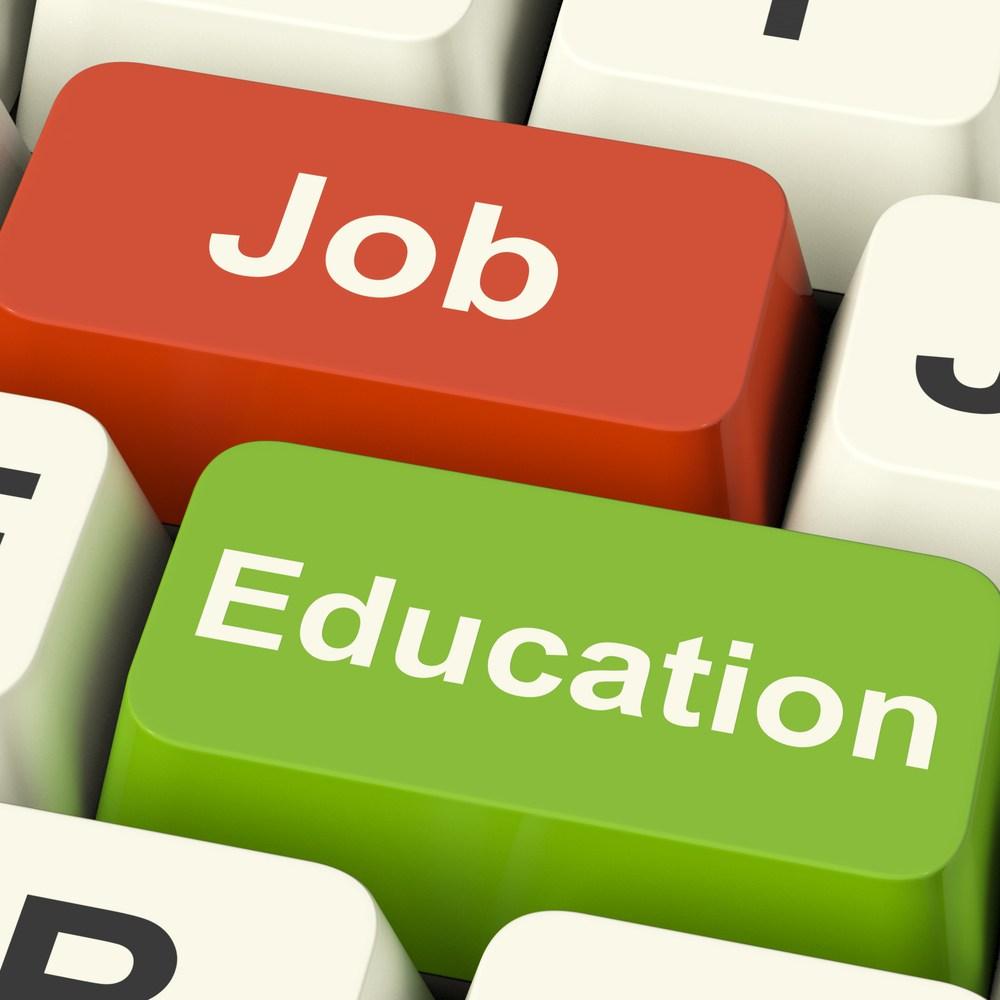 Sắp xếp thời gian hợp lý giữa việc học - đi làm và nghỉ ngơi để đảm bảo cho việc học và giữ gìn sức khỏe