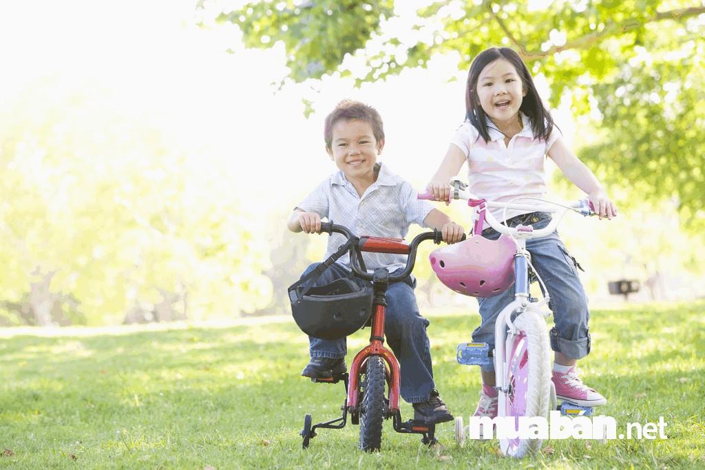 Tập cho trẻ đi xe đạp thường xuyên làm nên một thói quen tốt