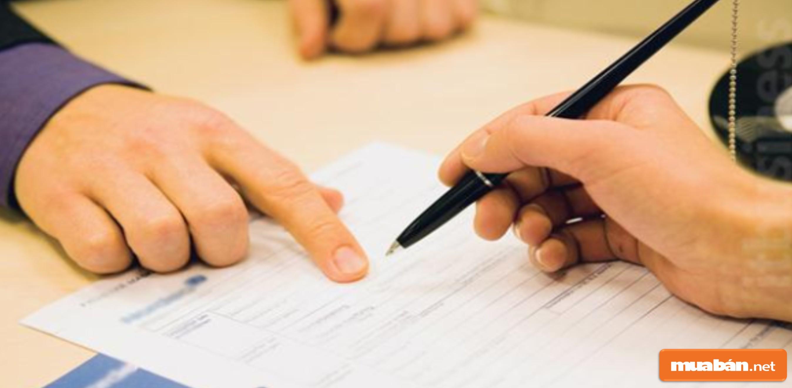Bạn phải đọc và xem kỹ nội dung trước khi ký hợp đồng thuê nhà