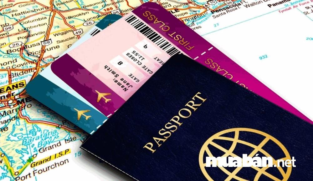 Phải kiểm tra và chuẩn bị kỹ các giấy tờ tùy thân, vé tàu xe/máy bay