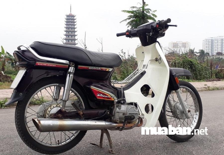Honda Dream - dòng xe bền bỉ được nhiều người Việt ưa chuộng.