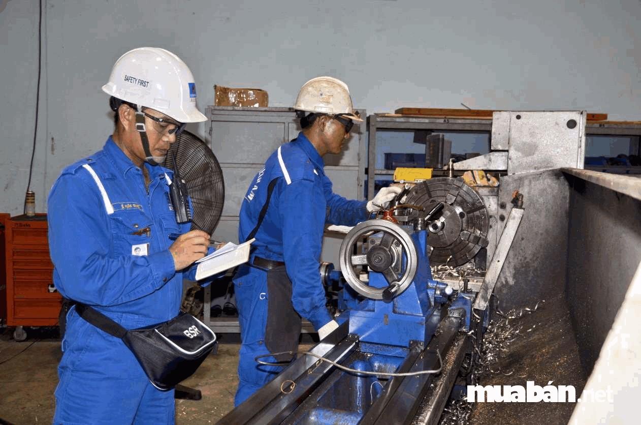 Kỹ sư cơ khí phải được trang bị tốt nhất về kiến thức lẫn kỹ năng, đam mê, chính xác, cẩn thận và phải có tuy duy phân tích nhạy bén…
