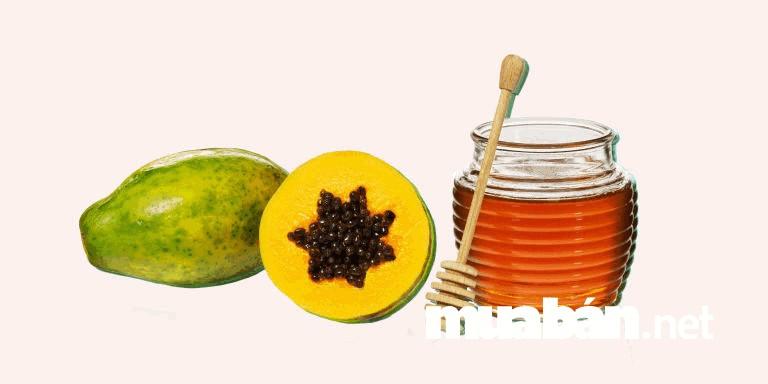Kết hợp giữa đu đủ và mật ong làm mặt nạ giúp da ban sáng và đều màu hơn