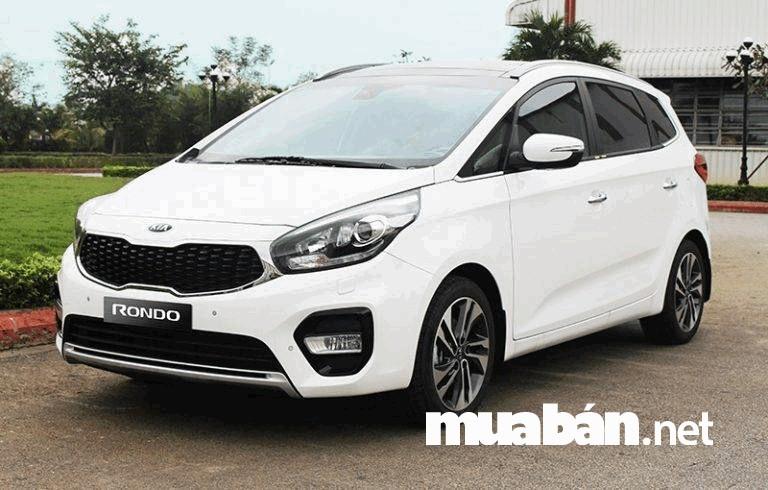Xe 7 chỗ Kia Rondon có giá bán khoảng từ 609 triệu