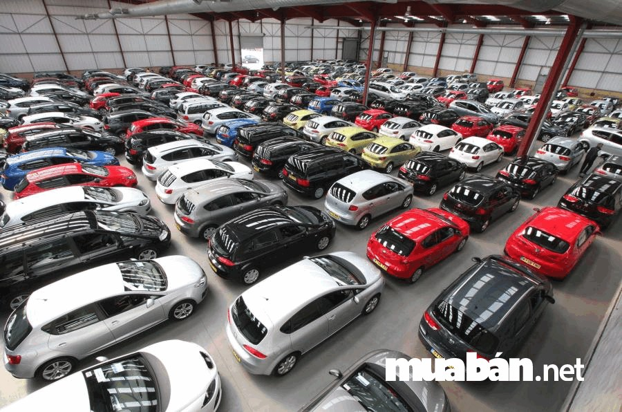 Hiện nay, việc mua xe ô tô cũ để sử dụng đã trở nên phổ biến