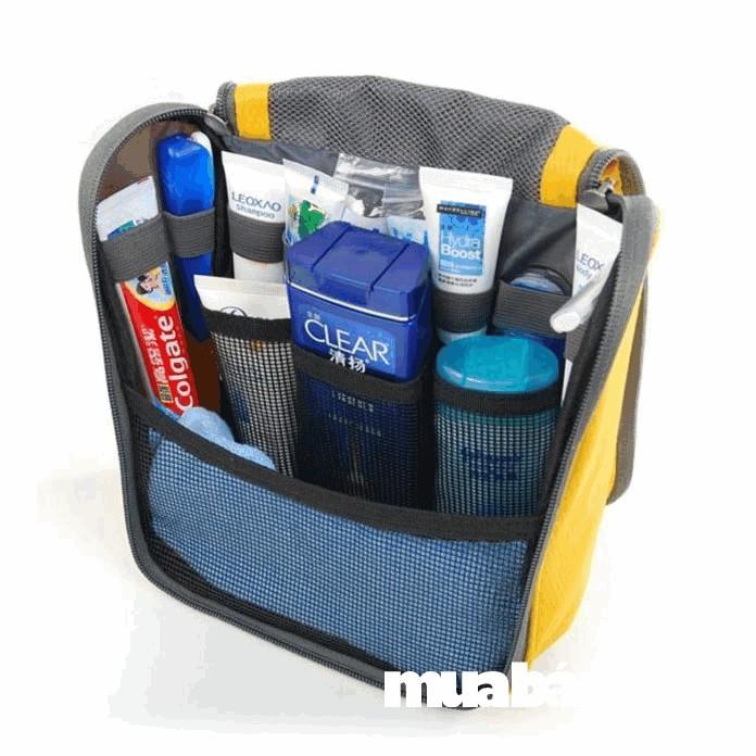 Nên có một túi đựng đồ cá nhân, để đựng các vật dụng như dầu gội, kem đánh răng, bàn chải....