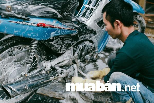 Bạn nhớ vệ sinh chùi rửa xe sạch sẽ trước khi bán nhé