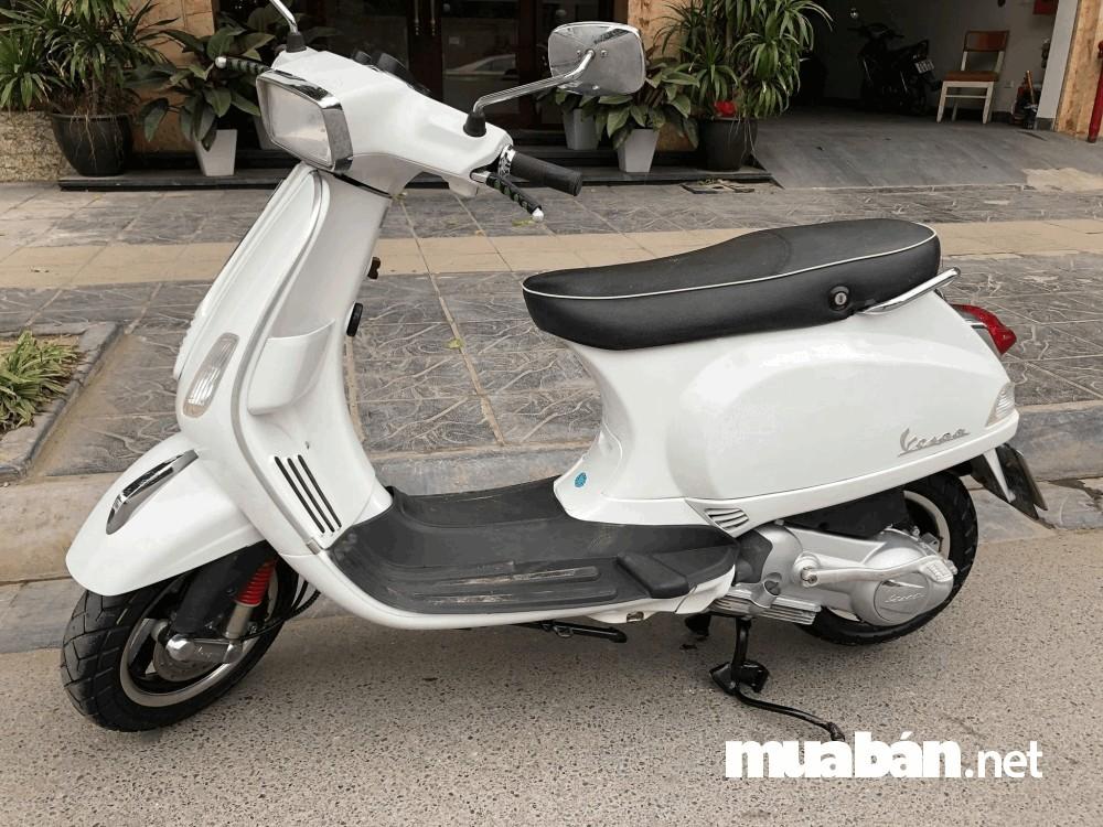 Vespa S125 cũng được yêu thích vì phong cách cổ điển mà không kém phần sang trọng dù là xe cũ