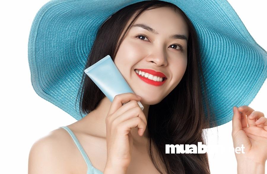 Để da mặt của bạn luôn tươi mới, khỏe mạnh, bạn nên tiến hành tẩy tế bào chết thường xuyên.