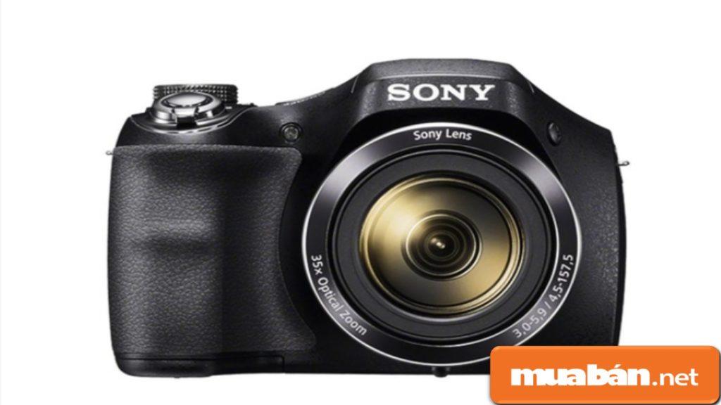 Sony Cybershot DSC H300 là máy ảnh kỹ thuật số được thiết kế theo kiểu dáng của máy DSLR chuyên nghiệp.