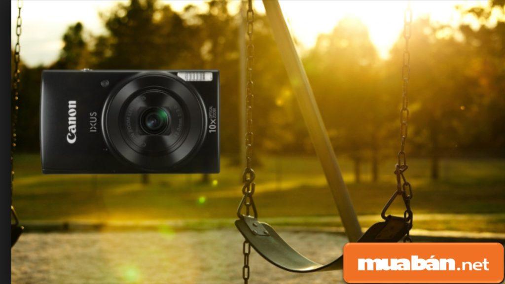 Máy ảnh Canon IXUS 190 được thiết kế khá nhỏ và gọn.