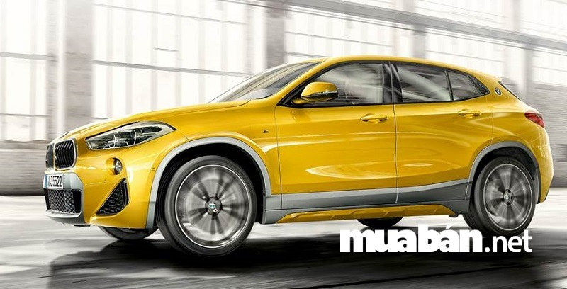 BMW X2 có kích thước chiều dài x rộng x cao tương ứng là 4360 x 1821 x 1526 (mm).