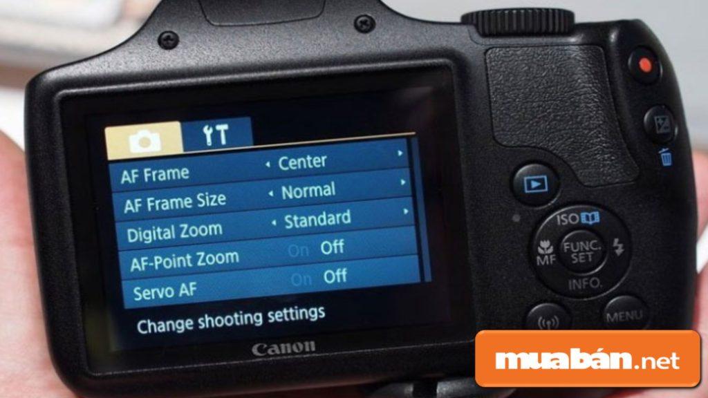 Canon PowerShot SX540HS có màn hình LCD với kích thước 3.0 inch.