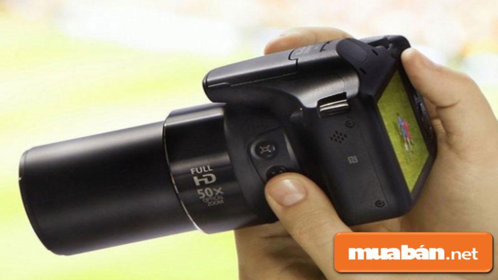 Chế độ quay phim Full HD giúp bạn lưu lại những khoảnh khắc sống động của bạn.