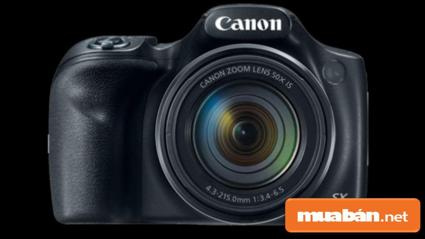 Máy ảnh Canon Powershot có màn hình TFT LCD 3.0 inch, được thiết kế nhỏ gọn.