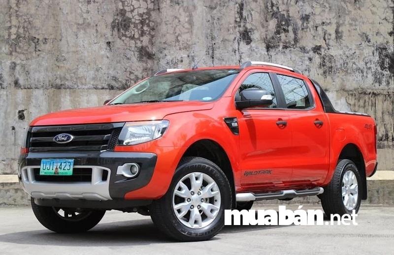 Ford Ranger XLS at 2014 được nhiều khách hàng Việt yêu thích nhất nhờ được trang bị động cơ mạnh mẽ và khả năng tiết kiệm nhiên liệu.