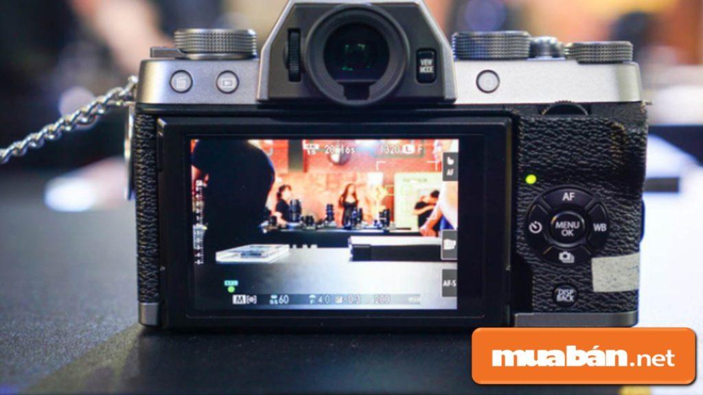Fujifilm X-T100 tương thích với máy in ảnh Fujifilm Instax SP-3.