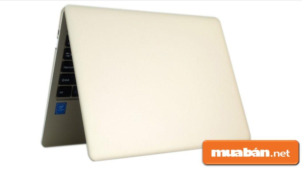 Máy được trang bị Intel Celeron N3350 với Ram LPDDR3 3Gb, ổ cứng 32Gb.