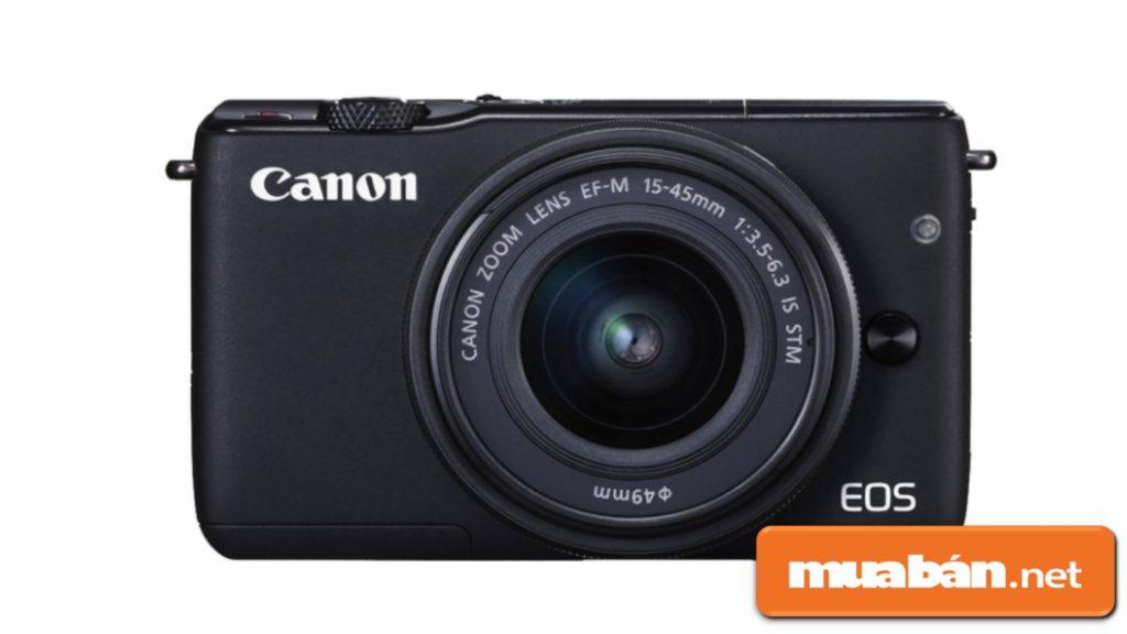 Máy ảnh Canon Eos M10 có thiết kế khá nhỏ, gọn dễ cầm trong quá trình di chuyển.