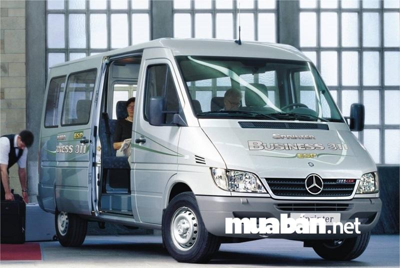 Điểm mạnh của Mercedes Sprinter chính là cấu hình thân xe cực kỳ linh hoạt.