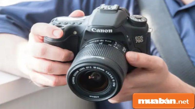 Mua máy ảnh cũ đang là một xu thế được nhiều người lựa chọn