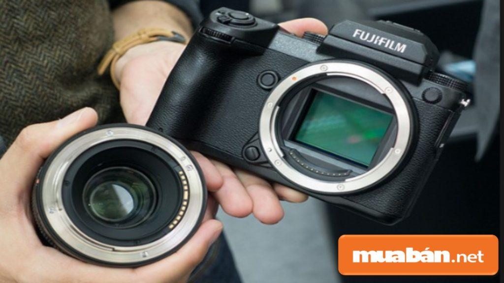 Ống kính máy (Lens) chất lượng thì hình ảnh sẽ khá sắc nét, rõ ràng vô cùng.