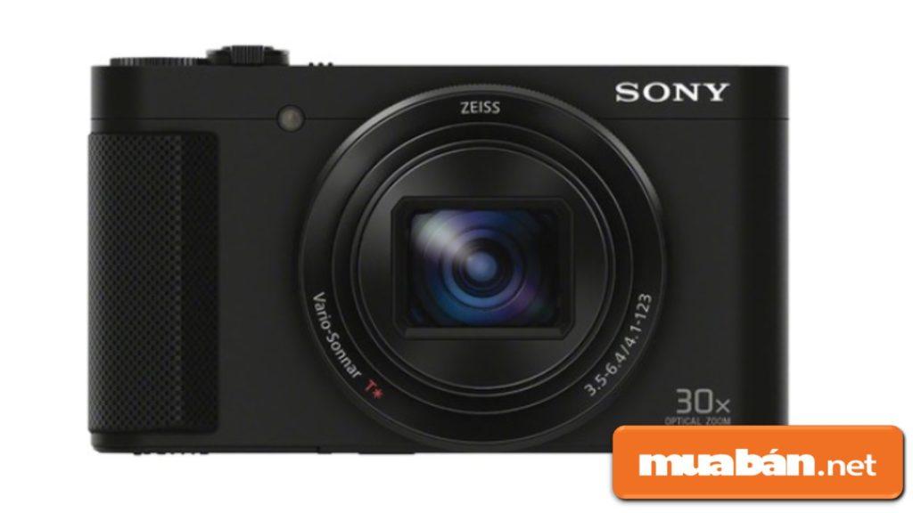 Máy ảnh Canon PowerShot SX540HS được thiết kế khá nhỏ gọn.