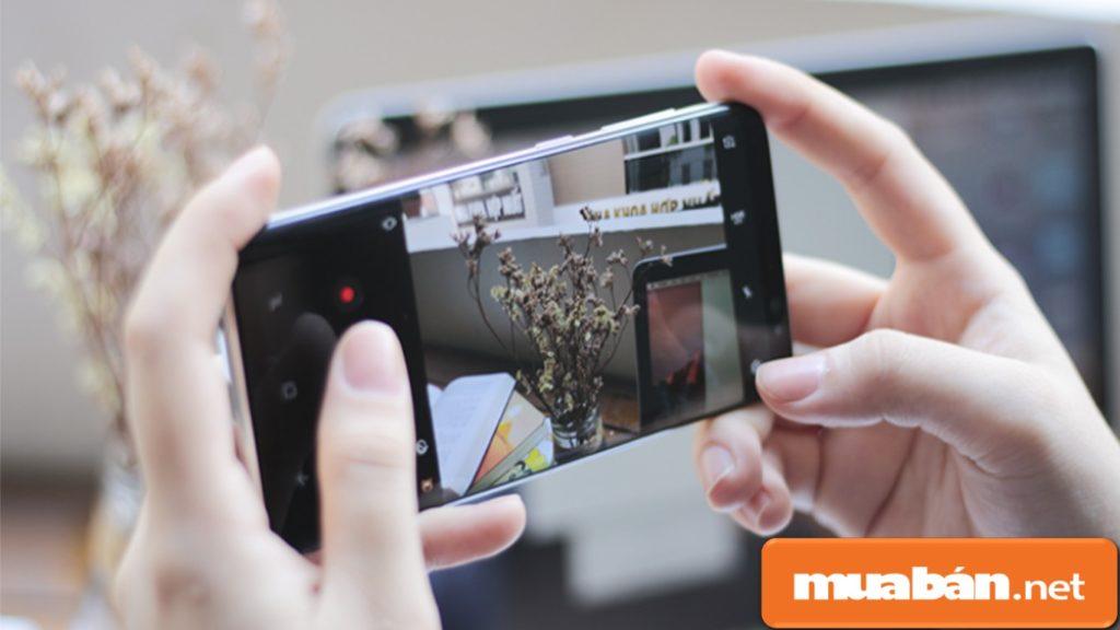 Camera của S9+ giúp bạn chụp được hình ảnh như máy chuyên nghiệp.