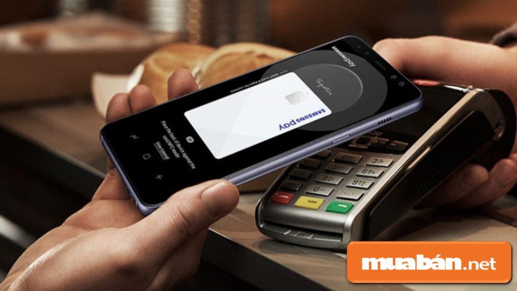 Samsung Pay – Giúp bạn thanh toán nhanh chóng, an toàn và đơn giản nhất mà không cần sử dụng thẻ.