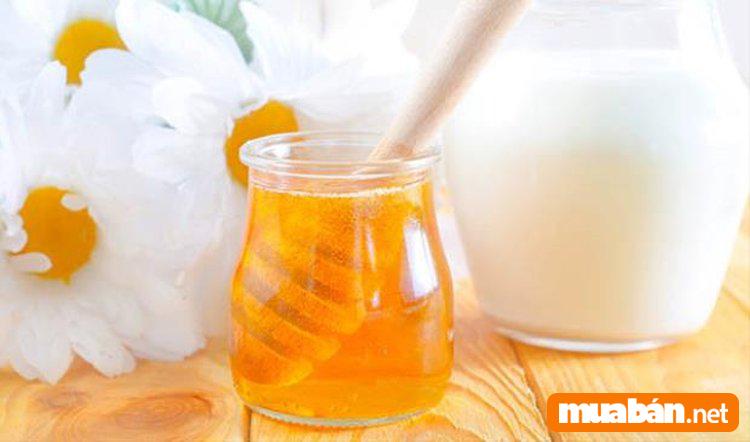 Top 3 cách làm mặt nạ mật ong dưỡng trắng da