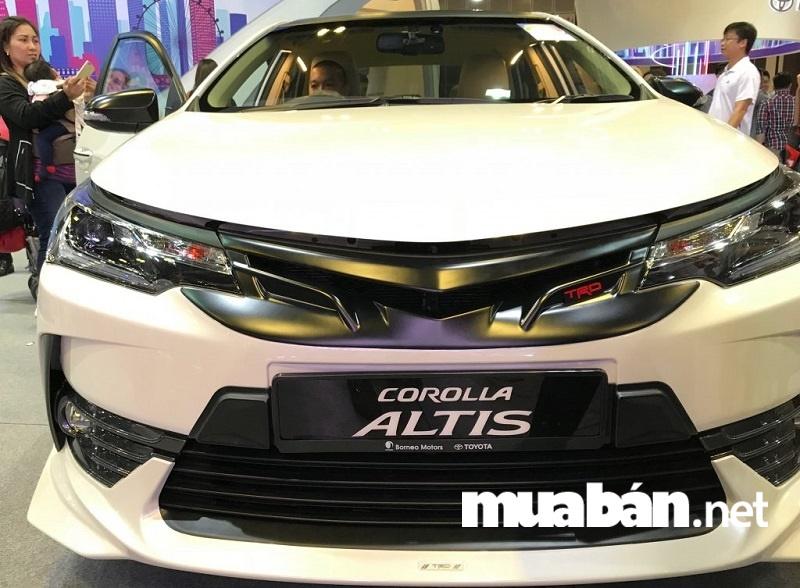 Ngoại thất xe Toyota Altis 2018 trẻ trung và thể thao.