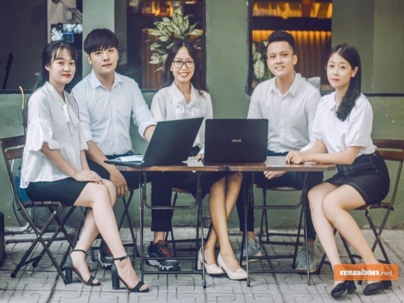 Nhân viên hành chính nhân sự là một lựa chọn cho ai đang lo lắng học quản trị kinh doanh khó xin việc