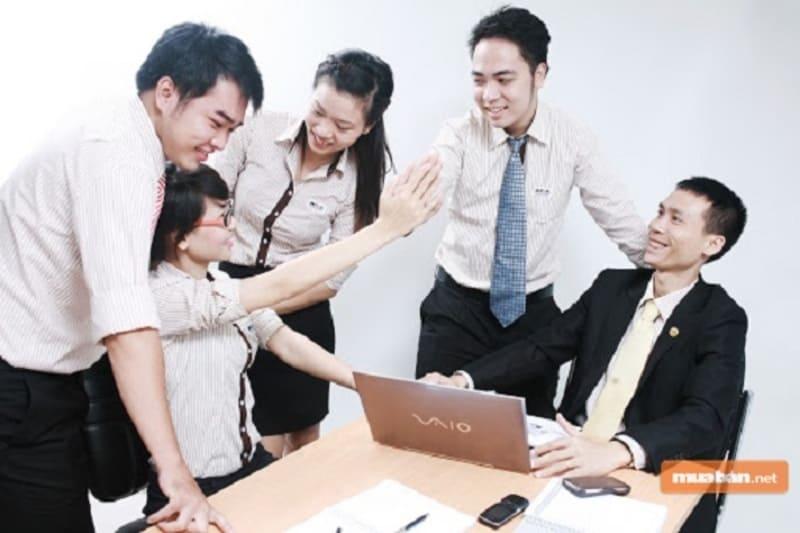 Học quản trị kinh doanh có khó xin việc không?