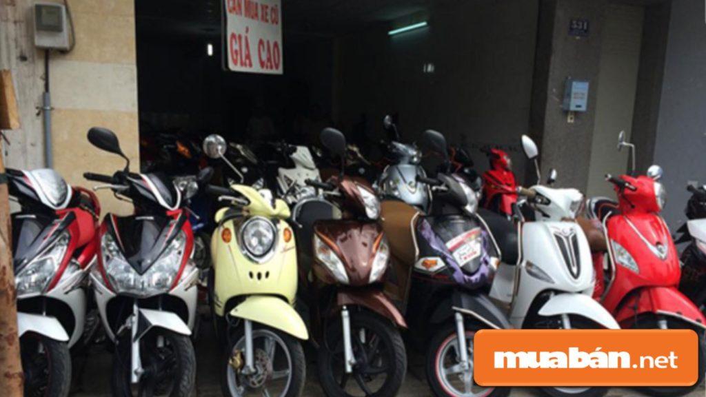 Bạn nên khoanh vùng các địa chỉ cửa hàng xe máy cũ trước để tránh hoang mang.