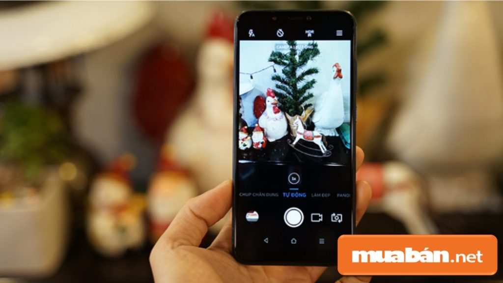 Camera sau của Joy 1+ được trang bị camera kép với 13MP với 2MP, có khả năng chụp xóa phông.
