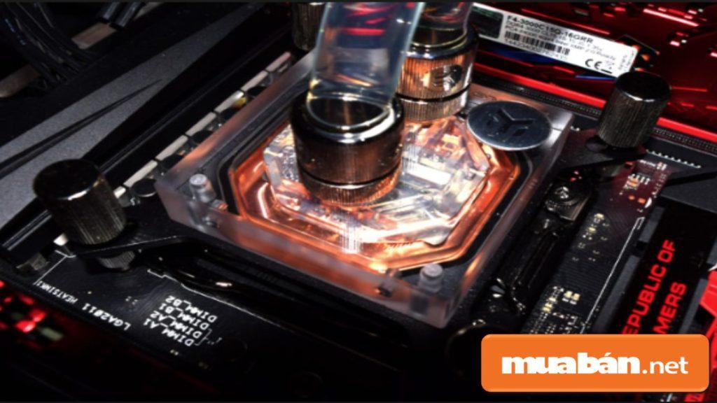 Không nên ép xung máy, vì  máy hoạt động càng mạnh thì càng dễ gây nóng các chi tiết bên trong.
