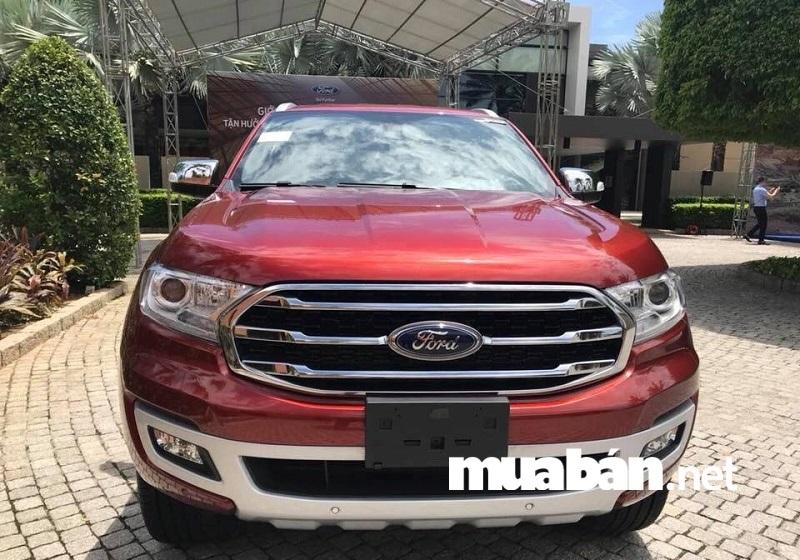 Ford Everest có những thay đổi về ngoại hình, động cơ và được trang bị thêm một số tính năng công nghệ đáng chú ý.