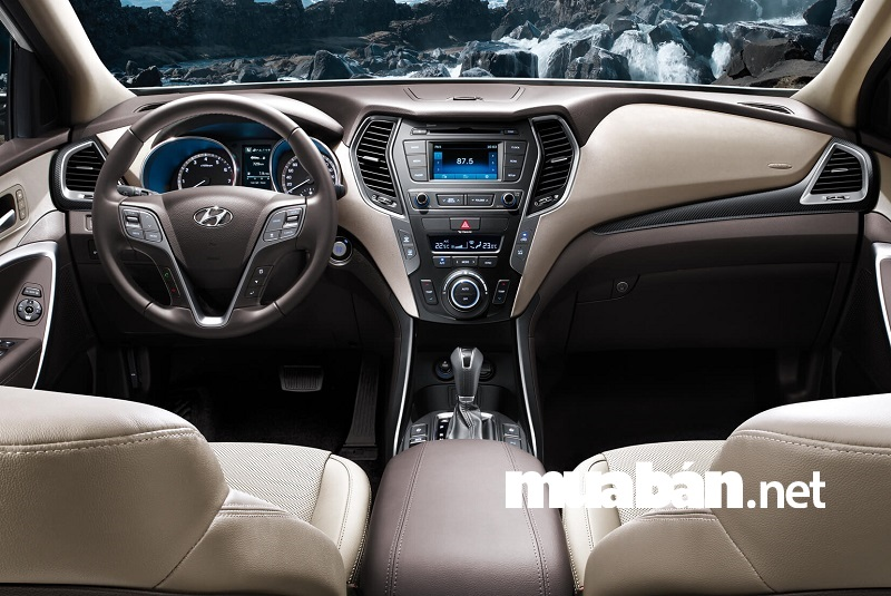 Hyundai SantaFe 2018 được trang bị 2 loại khối động cơ gồm động cơ xăng và dầu Diesel.