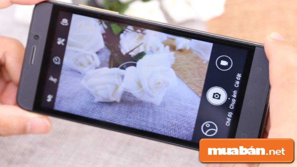 Intel A13 có camera sau có độ phân giải 5Mp, camera trước 2Mp giúp bạn lưu giữ khoảnh khắc.