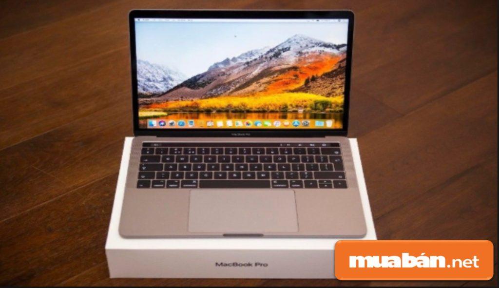 Macbook Pro 2017 được đánh giá là một trong những laptop tốt nhất hiện nay.