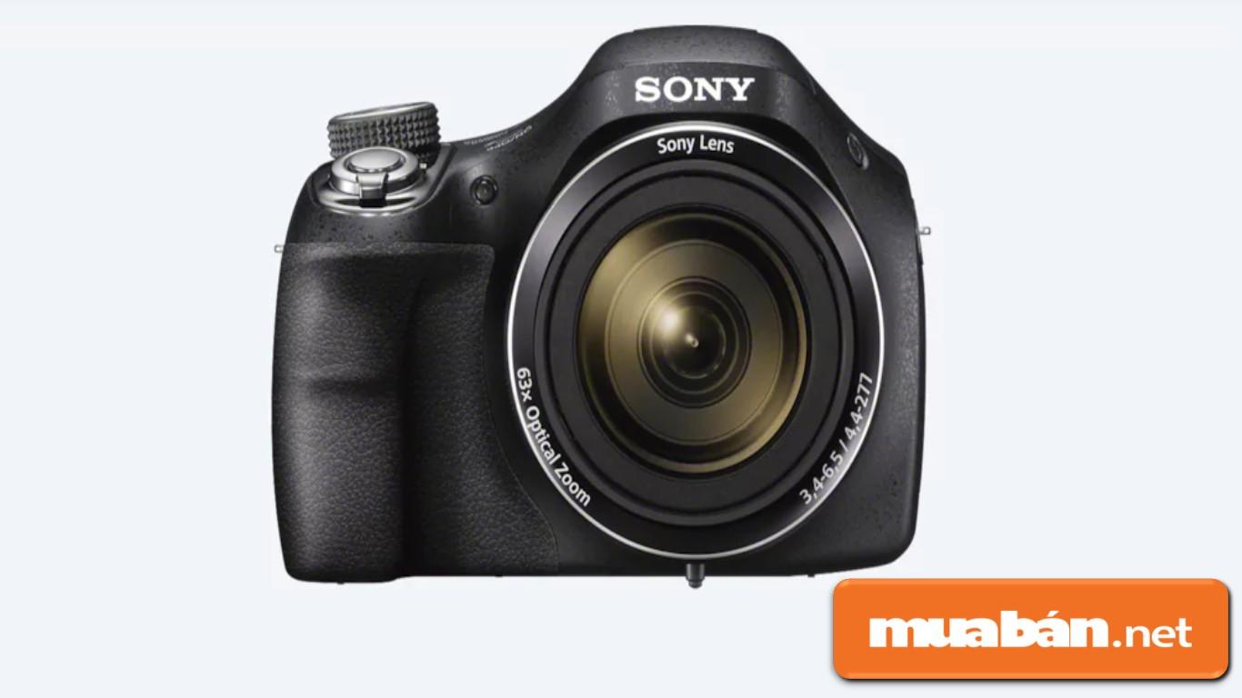 Máy ảnh DSC-H400 được Sony đầu tư với độ zoom 63x như một máy DSLR chuyên nghiệp.