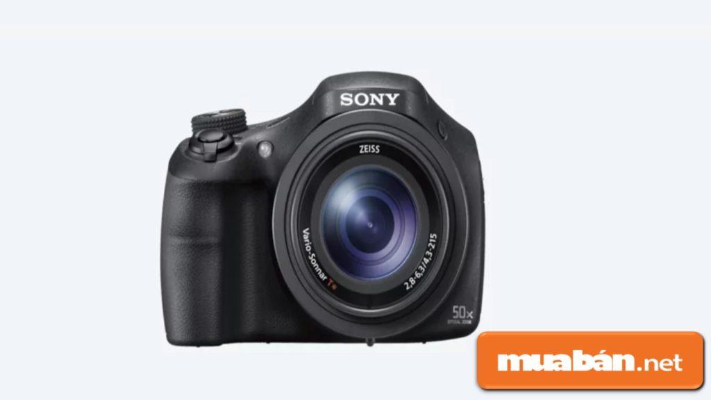 Thiết kế của Sony HX350 khá nhỏ gọn, nhưng lại giúp người dùng thao tác như một máy ảnh chuyên nghiệp.
